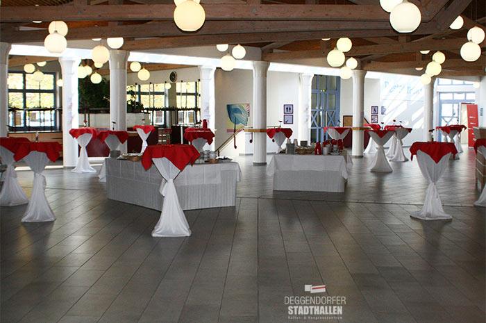 deggendorfer-stadthallen.de Deggendorfer Stadthallen KULTUR+KONGRESS ZENTRUM Deggendorf