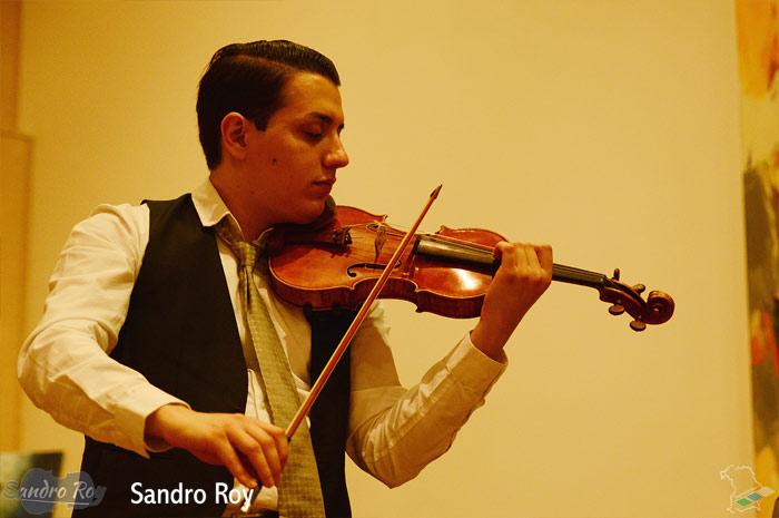 sandro-roy.com Sandro Roy Jazz and Classical Violinist